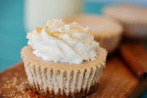 Mini Snickerdoodle Cheesecakes | www.shariblogs.com