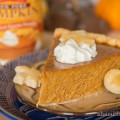 Mom's Flaky Pastry Pie Crust & Famous Pumpkin Pie | www.shariblogs.com